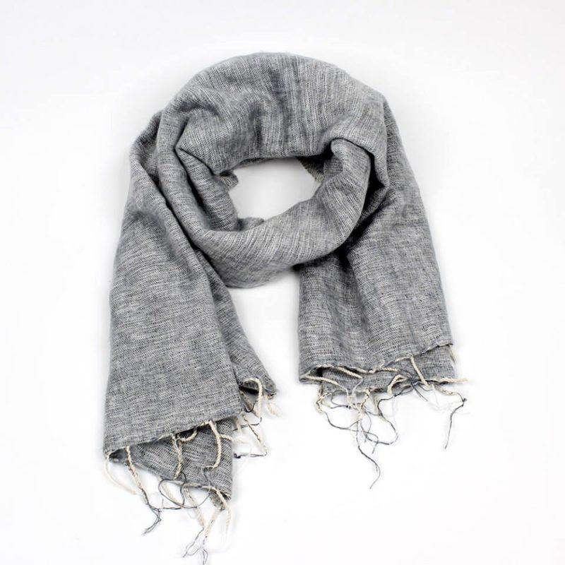 sjaal met verhaal sjaal lichtgrijs fairtrade