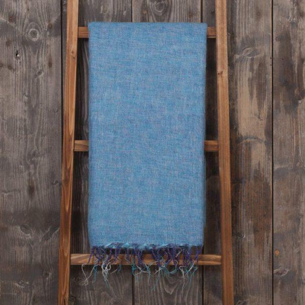 sjaal met verhaal fairtrade plaid in jeansblauw
