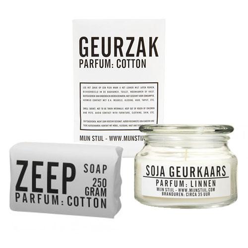 cadeaupakket met een geurzakje, zeep en geurkaars