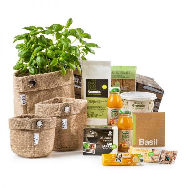 Cadeau en kerstpakket met 3 jute mandjes en biologische producten