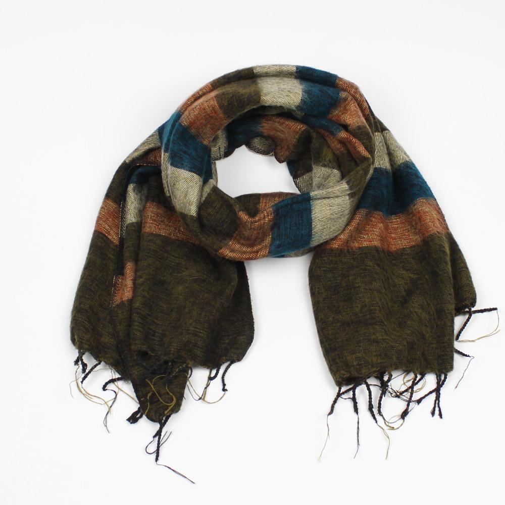 kerstpakket voor mannen sjaal met verhaal bruin gestreept