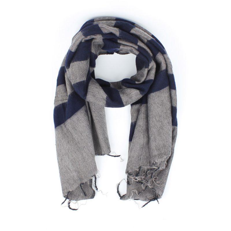 Sjaal in kerstpakket voorn mannen gestreept sjaal met verhaal