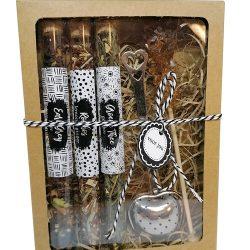 cadeauset met 3 buisjes thee, theezeefje en candijstokje