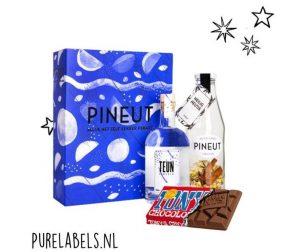 kerstpakket voor mannen pineut cadeaupakket met tony chocolonely reep relatiegeschenk purelabels.nl