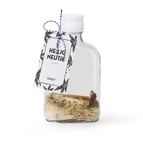 Duurzaam geschenk fles met inhoud om zelf een borrel te maken
