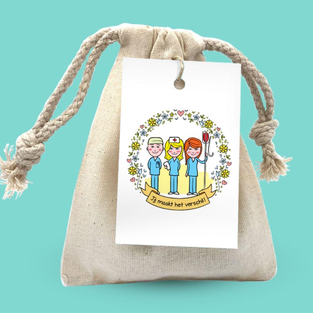 cadeauzakje met cadeau voor zorgmedewerkers zeep