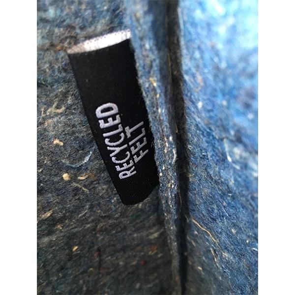 label van een fairtrade en zero waste jeanstas