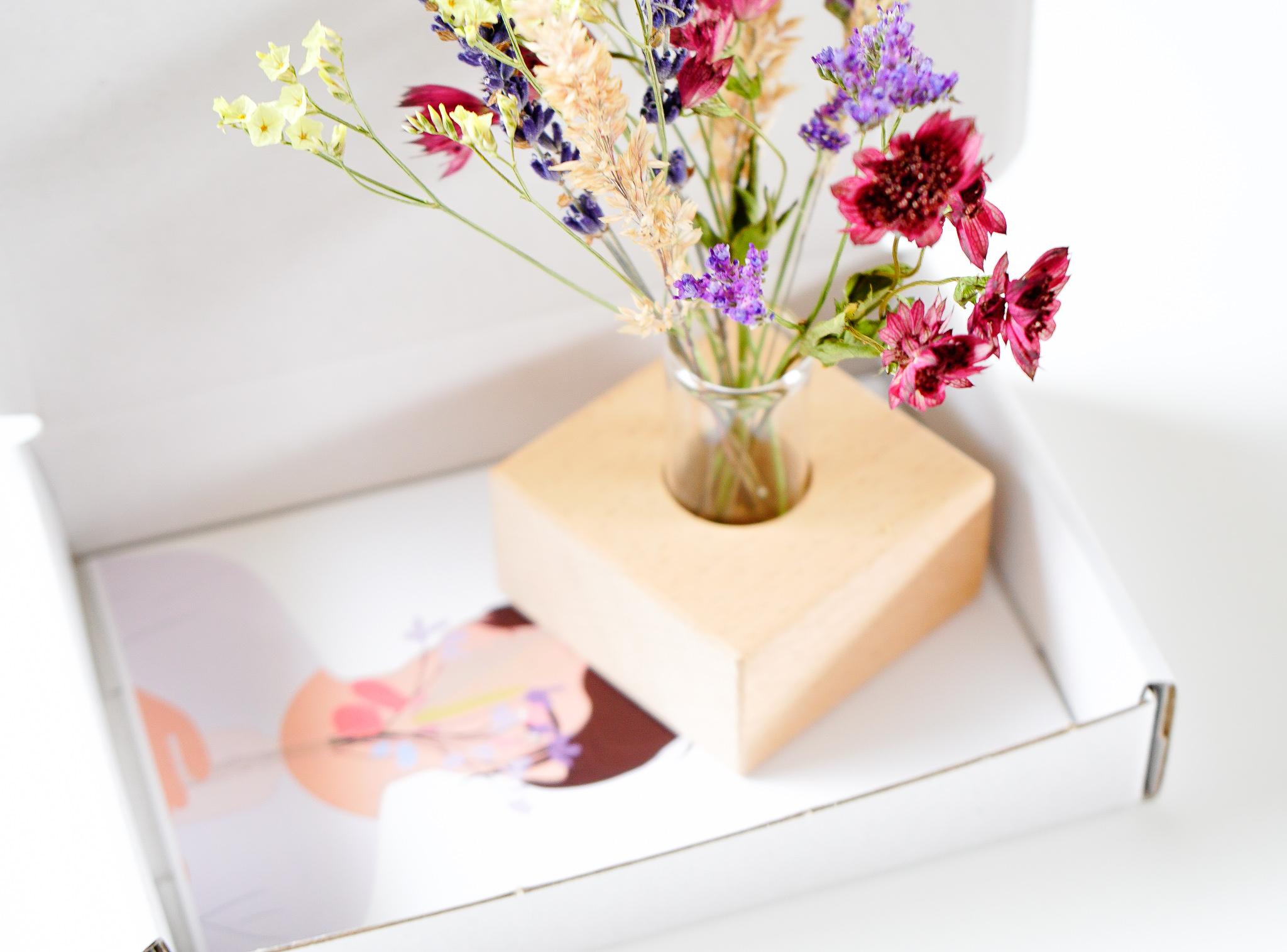duurzaam brievenbus geschenk droogbloemen met houder in giftbox