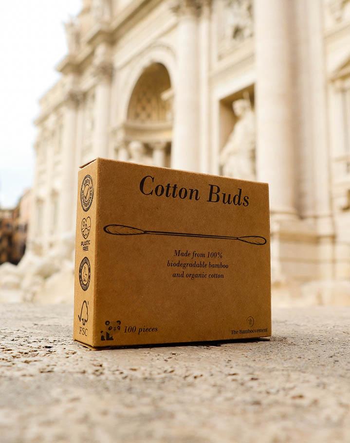 doosje met bamboe wattenstaafjes onderdeel van cadeaupakket