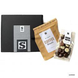Brievenbuspakketje voor Sinterklaas met koffie en kruidnoten